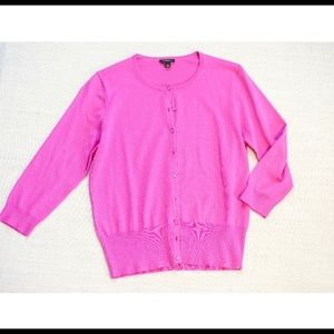 🆕 Ann Taylor Pink Cardigan Button Down Size M